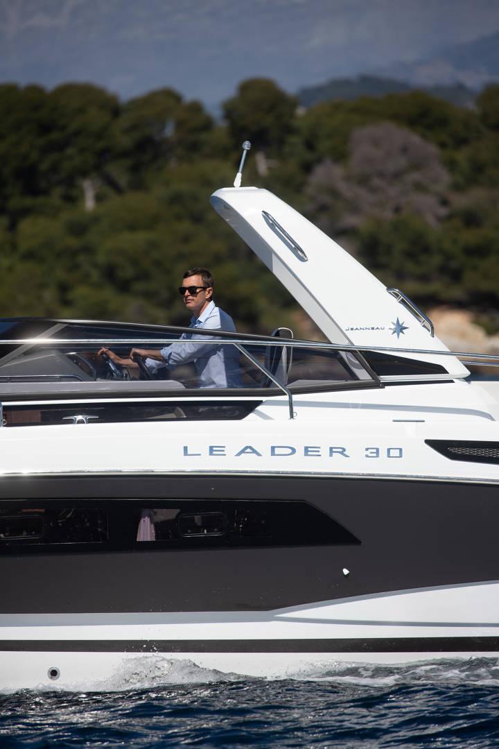 Leader 30