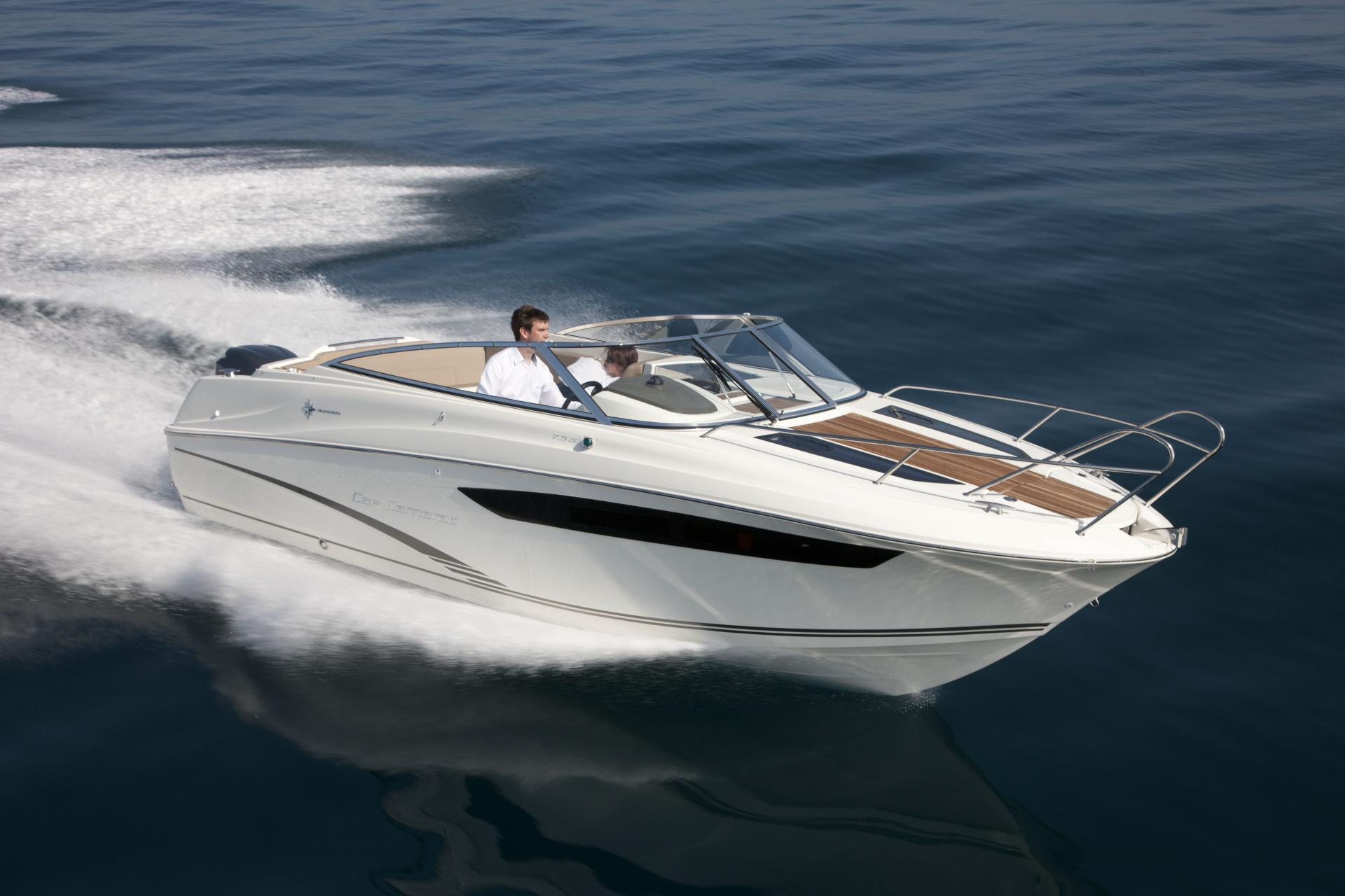 bateau jeanneau