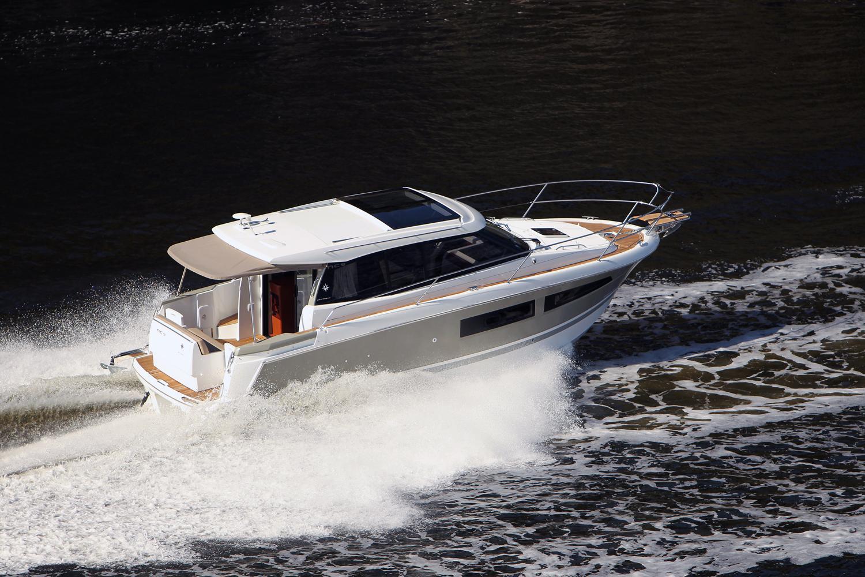NC 9   Jeanneau Boats