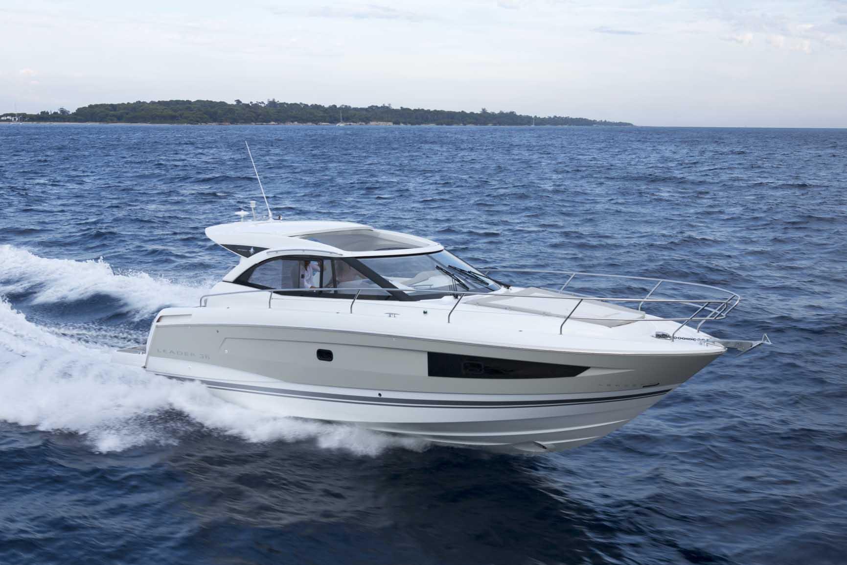 Leader 36 | Jeanneau Boats