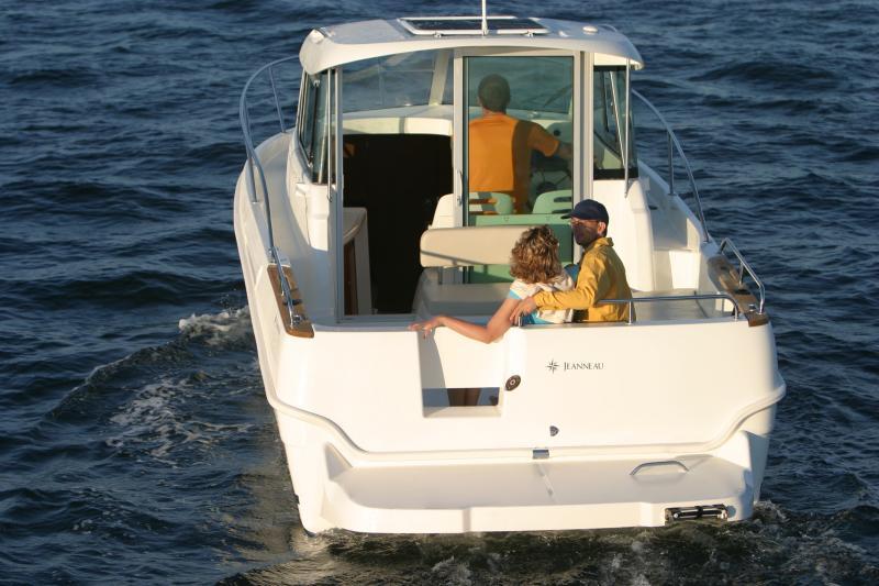 Merry Fisher 705 │ Merry Fisher Inboard of 7m │ Boat Inboard Jeanneau  6610