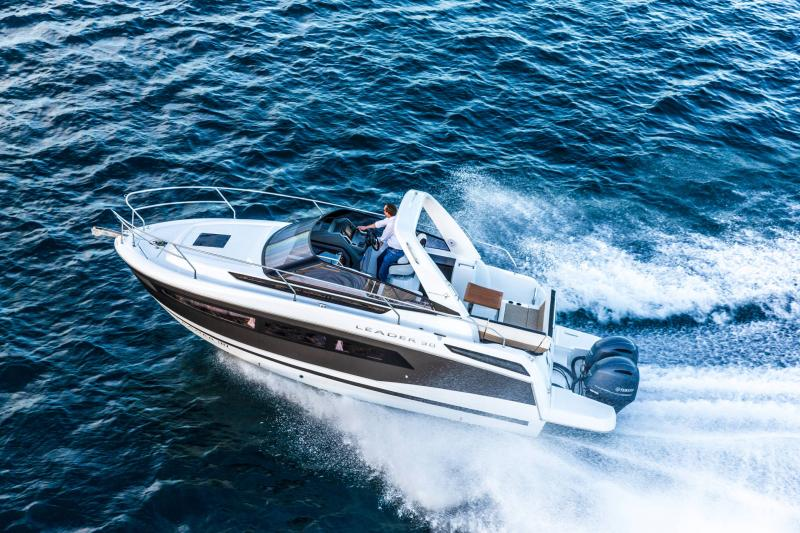 Leader 30 │ Leader of 9m │ Boat powerboat Jeanneau Outboard version 18192