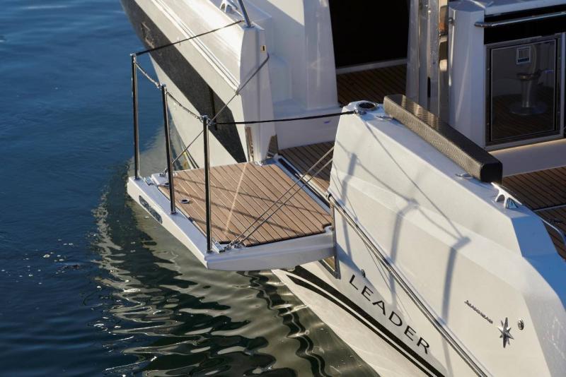 Leader 10.5 Series 2 │ Leader WA of 11m │ Boat powerboat Jeanneau  21661