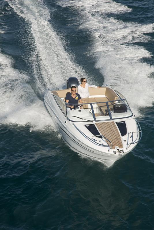 Cap Camarat 6.5 DC │ Cap Camarat Day Cruiser de 6m │ Bateaux powerboat Jeanneau bateau Cap_Camarat_DC-6.5DC2 737