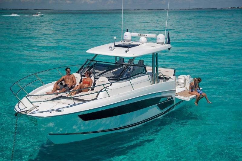 Leader 12.5 │ Leader WA of 12m │ Boat powerboat Jeanneau  21647