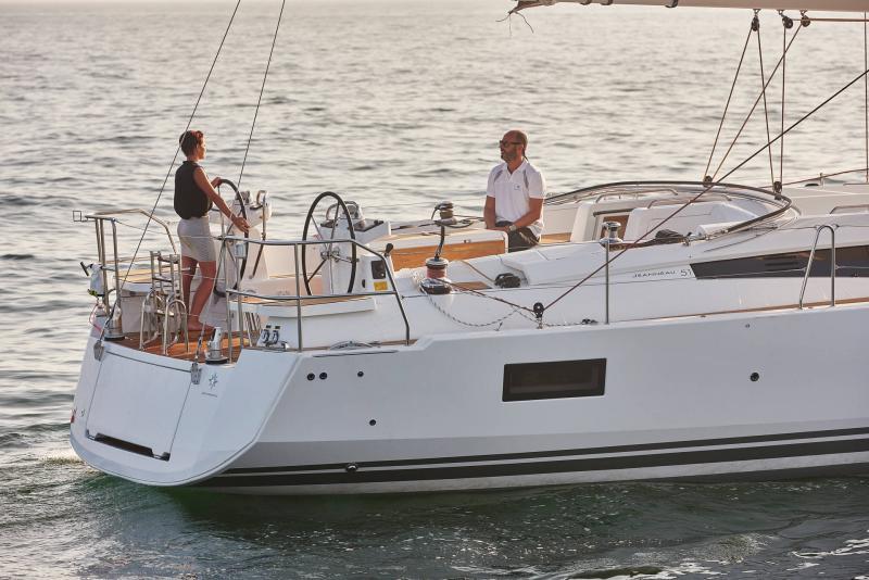 Jeanneau 51 │ Jeanneau Yachts of 15m │ Boat Sailboat Jeanneau  17420