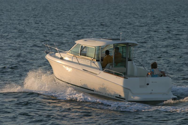 Merry Fisher 705 │ Merry Fisher Inboard of 7m │ Boat Inboard Jeanneau  6608
