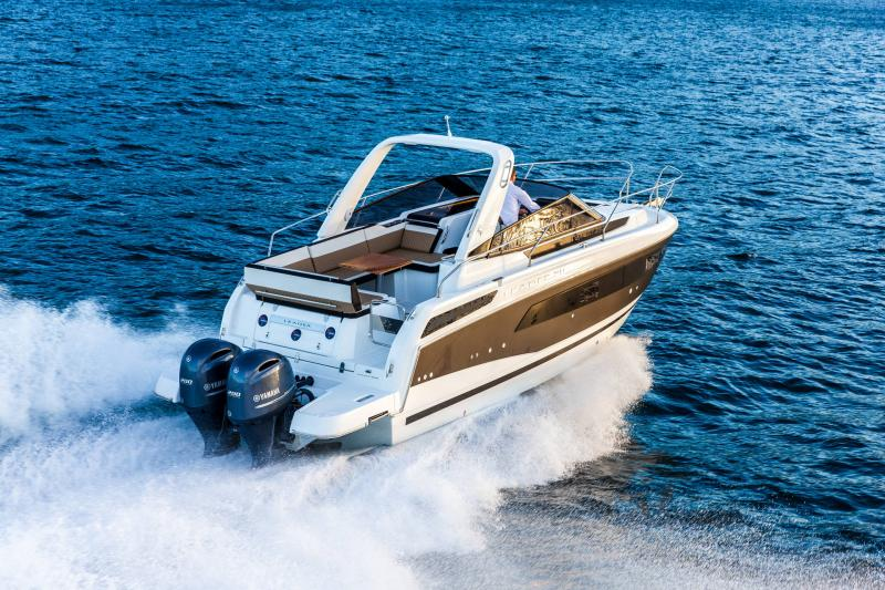 Leader 30 │ Leader of 9m │ Boat powerboat Jeanneau Outboard version 18188
