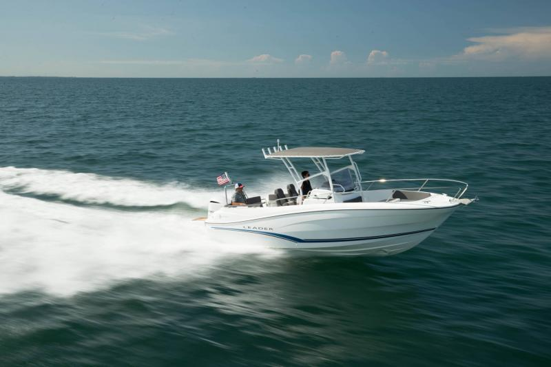 Leader 7.5 CC │ Leader CC of 8m │ Boat powerboat Jeanneau  18775