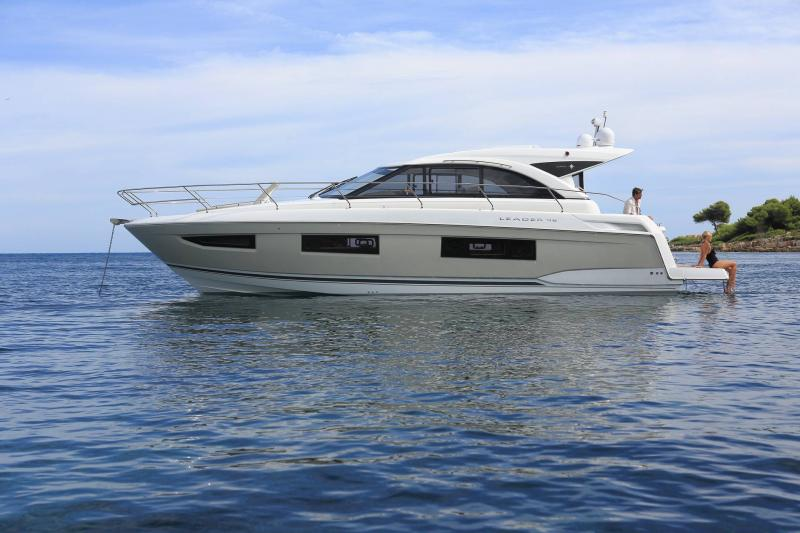 Leader 46 │ Leader of 14m │ Boat powerboat Jeanneau 2-Anchoring 18473