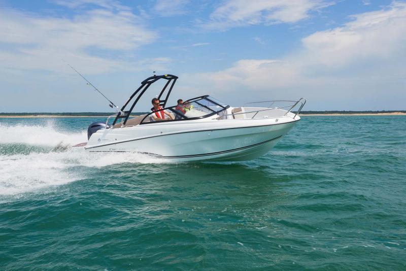 CAP CAMARAT 6.5 BR │ Cap Camarat Bow Rider of 6m │ Boat Outboard Jeanneau  10986