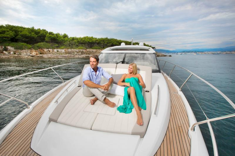 Leader 46 │ Leader of 14m │ Boat powerboat Jeanneau SunBath 18486