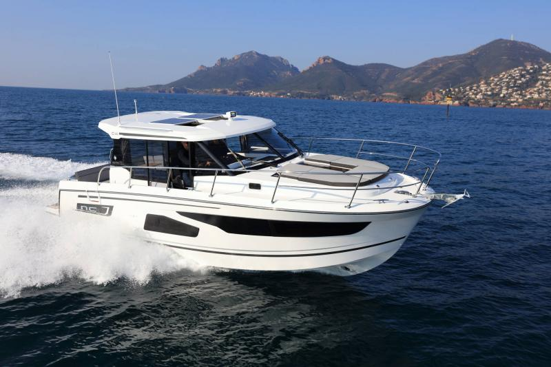 NC 1095 │ NC Weekender of 10m │ Boat powerboat Jeanneau  18881