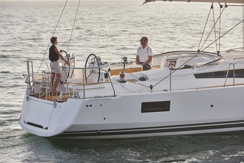 Jeanneau 51 Exterior Views 59