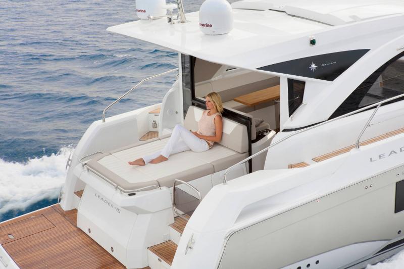 Leader 46 │ Leader of 14m │ Boat Inboard Jeanneau Aft Platform 18503