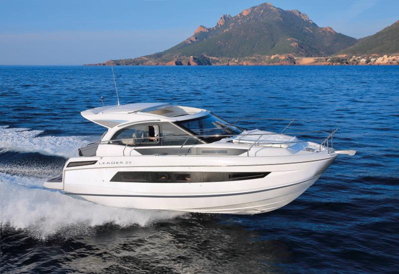 Leader 33 │ Leader of 11m │ Boat powerboat Jeanneau  18292