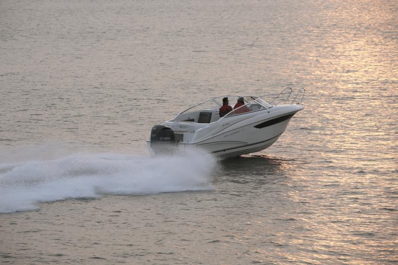 Cap Camarat 7.5 DC │ Cap Camarat Day Cruiser de 7m │ Bateaux Hors Bord Jeanneau  12963