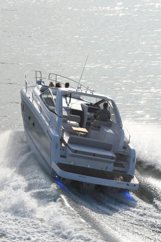 Leader 36 │ Leader of 12m │ Boat Intra-borda Jeanneau 1-Navigation 14315