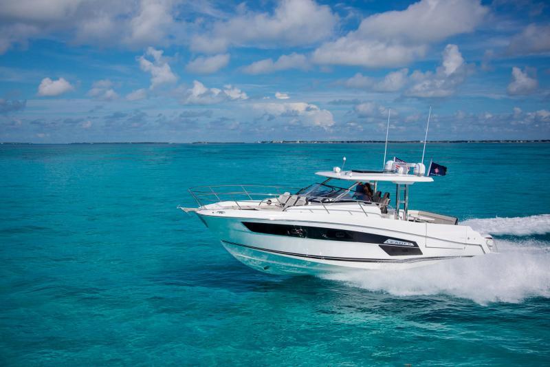 Leader 12.5 │ Leader WA of 12m │ Boat powerboat Jeanneau  21778