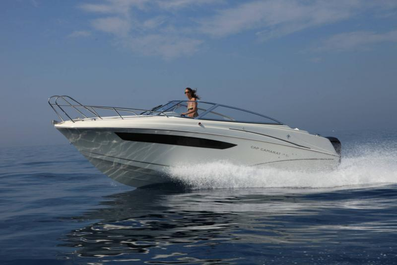Cap Camarat 7.5 DC │ Cap Camarat Day Cruiser of 7m │ Boat powerboat Jeanneau  17233