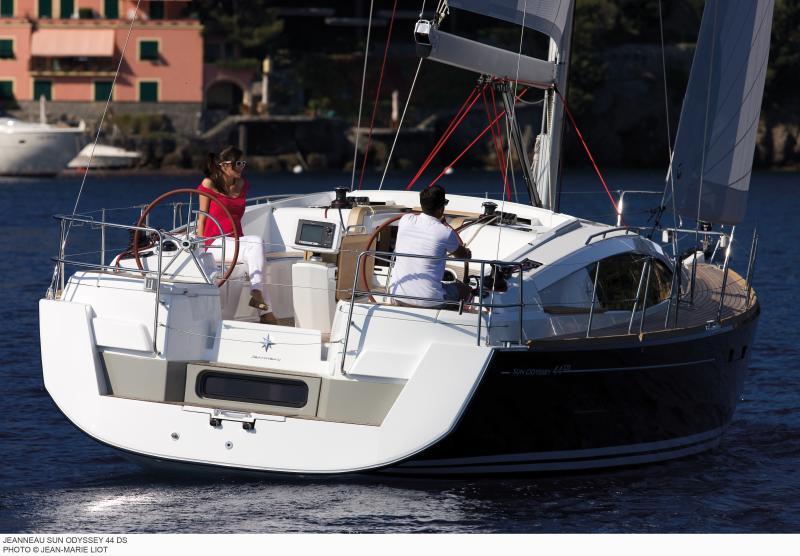 Sun Odyssey 44 DS │ Sun Odyssey DS of 13m │ Boat Sailboat Jeanneau boat Sun-Odyssey-DS-44DS 313