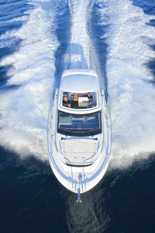 Leader 33 │ Leader de 11m │ Bateaux powerboat Jeanneau  18294