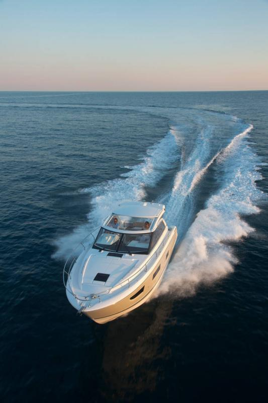 Leader 40 │ Leader of 12m │ Boat powerboat Jeanneau 1-Navigation 18423