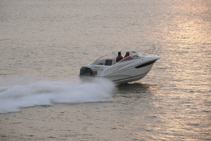 Cap Camarat 7.5 DC │ Cap Camarat Day Cruiser of 7m │ Boat powerboat Jeanneau  17221