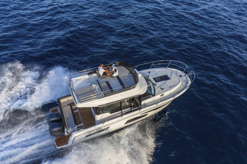 NC 1095 Fly │ NC Weekender of 10m │ Boat powerboat Jeanneau  21015