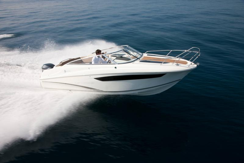 Cap Camarat 7.5 DC │ Cap Camarat Day Cruiser of 7m │ Boat powerboat Jeanneau  17243