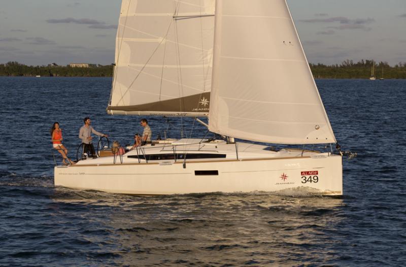 Sun Odyssey 349 │ Sun Odyssey of 10m │ Boat Sailboat Jeanneau boat Sun-Odyssey-349 930