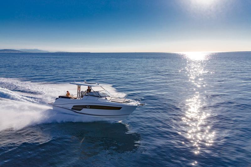 Leader 10.5 Series 2 │ Leader WA of 11m │ Boat powerboat Jeanneau  22303