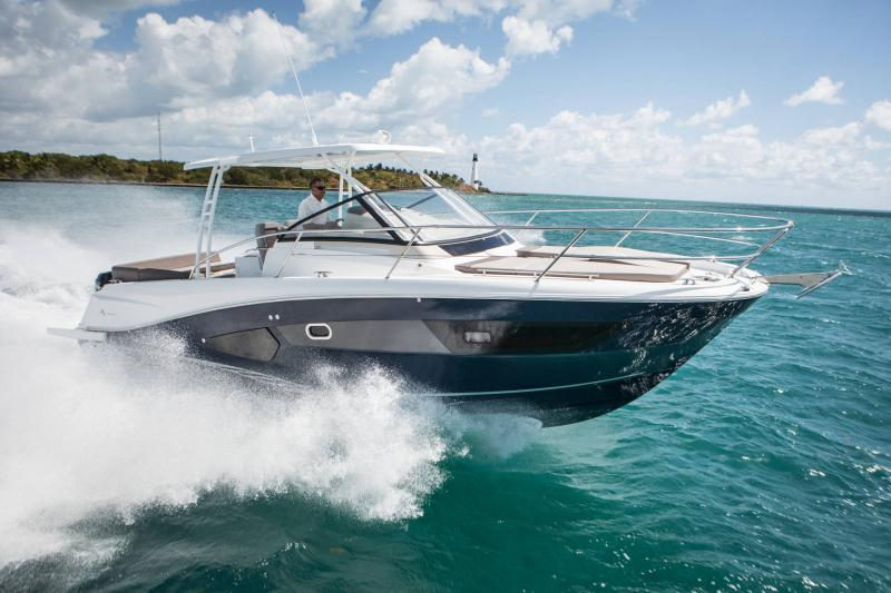 Leader 10.5 │ Leader WA of 11m │ Boat powerboat Jeanneau  18720