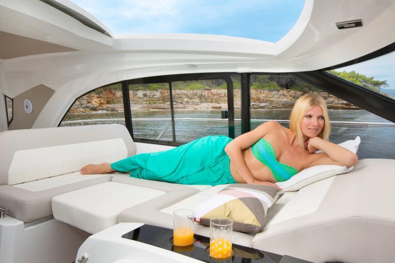 Leader 46 │ Leader de 14m │ Bateaux powerboat Jeanneau 3-Lifestyle 18487