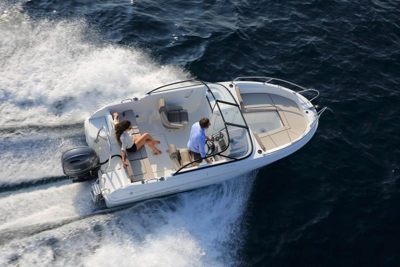CAP CAMARAT 5.5 BR │ Cap Camarat Bow Rider of 5m │ Boat powerboat Jeanneau CAP CAMARAT 5.5 BR 4834