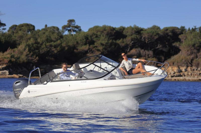 CAP CAMARAT 5.5 BR │ Cap Camarat Bow Rider of 5m │ Boat Outboard Jeanneau  10947