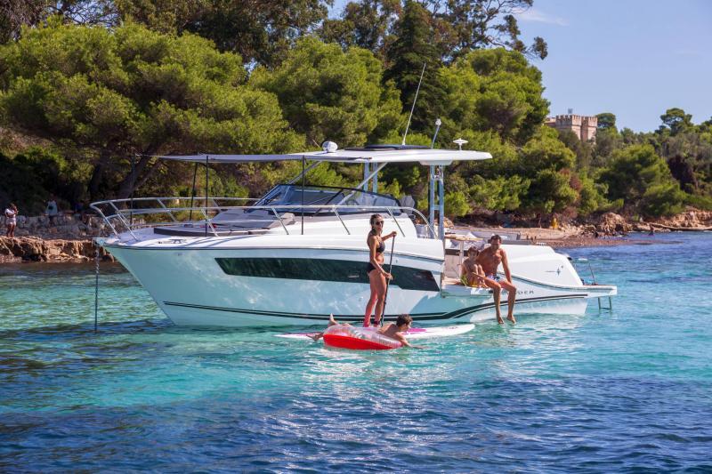 Leader 10.5 Series 2 │ Leader WA of 11m │ Boat powerboat Jeanneau  22302
