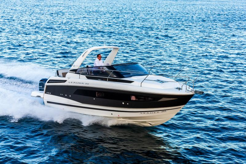 Leader 30 │ Leader of 9m │ Boat powerboat Jeanneau Outboard version 18189