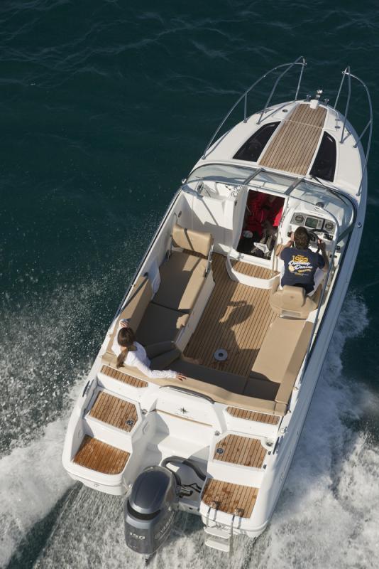 Cap Camarat 6.5 DC │ Cap Camarat Day Cruiser of 6m │ Boat powerboat Jeanneau barco Cap_Camarat_DC-6.5DC2 735