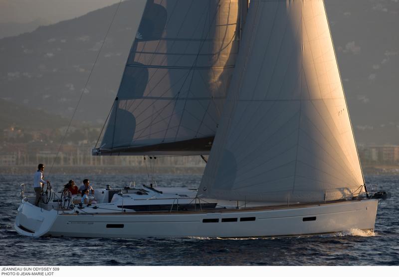 Sun Odyssey 509 │ Sun Odyssey de 15m │ Bateaux Voiliers Jeanneau  8420