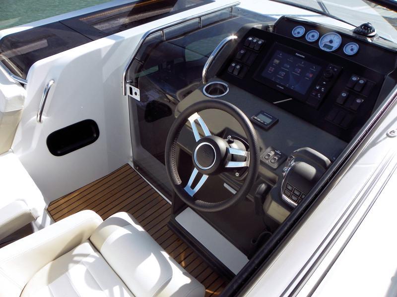 Leader 30 OB │ Leader of 9m │ Boat powerboat Jeanneau  12923