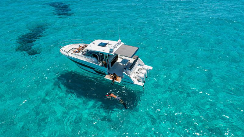 Cap Camarat 12.5 WA │ Cap Camarat Walk Around of 12m │ Boat powerboat Jeanneau  22272