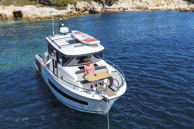 Merry Fisher 895 Sport │ Merry Fisher Sport of 9m │ Boat powerboat Jeanneau  23160