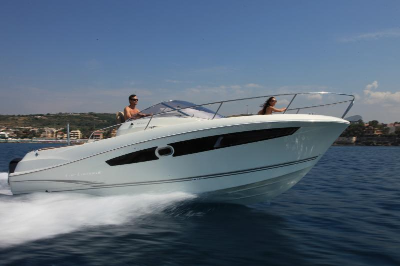Cap Camarat 8.5 WA │ Cap Camarat Walk Around of 8m │ Boat powerboat Jeanneau boat Cap_Camarat_WA-8.5WA 12