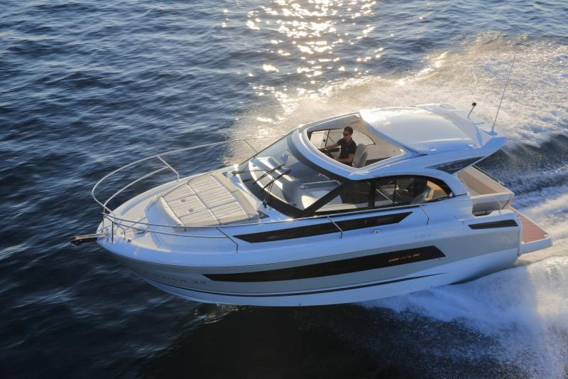 Leader 33 │ Leader of 11m │ Boat powerboat Jeanneau 1-Navigation 18328