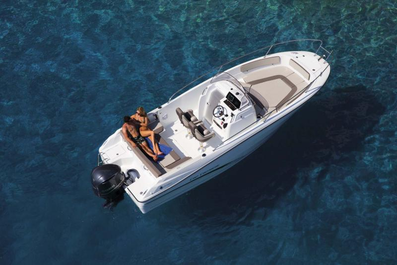 Cap Camarat 7.5 CC │ Cap Camarat Center Console of 7m │ Boat powerboat Jeanneau  11124