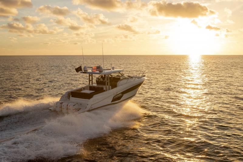 Leader 12.5 │ Leader WA of 12m │ Boat powerboat Jeanneau  21636