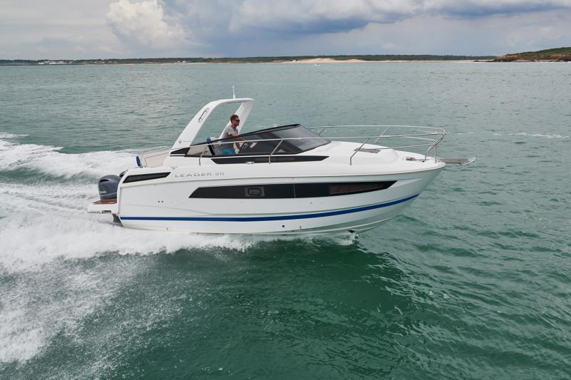 Leader 30 OB │ Leader of 9m │ Boat Inboard Jeanneau  12907