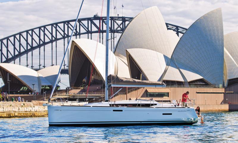 Sun Odyssey 379 │ Sun Odyssey of 11m │ Boat Sailboat Jeanneau  8345
