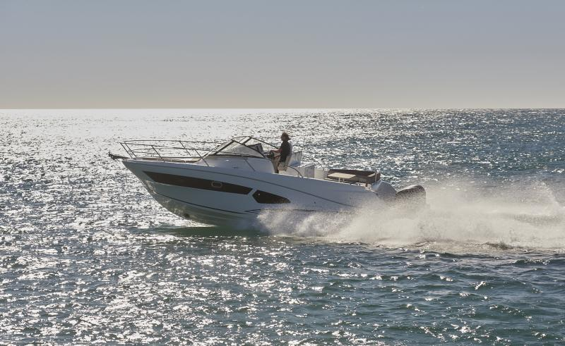 Cap Camarat 10.5 WA │ Cap Camarat Walk Around of 11m │ Boat Outboard Jeanneau  1673
